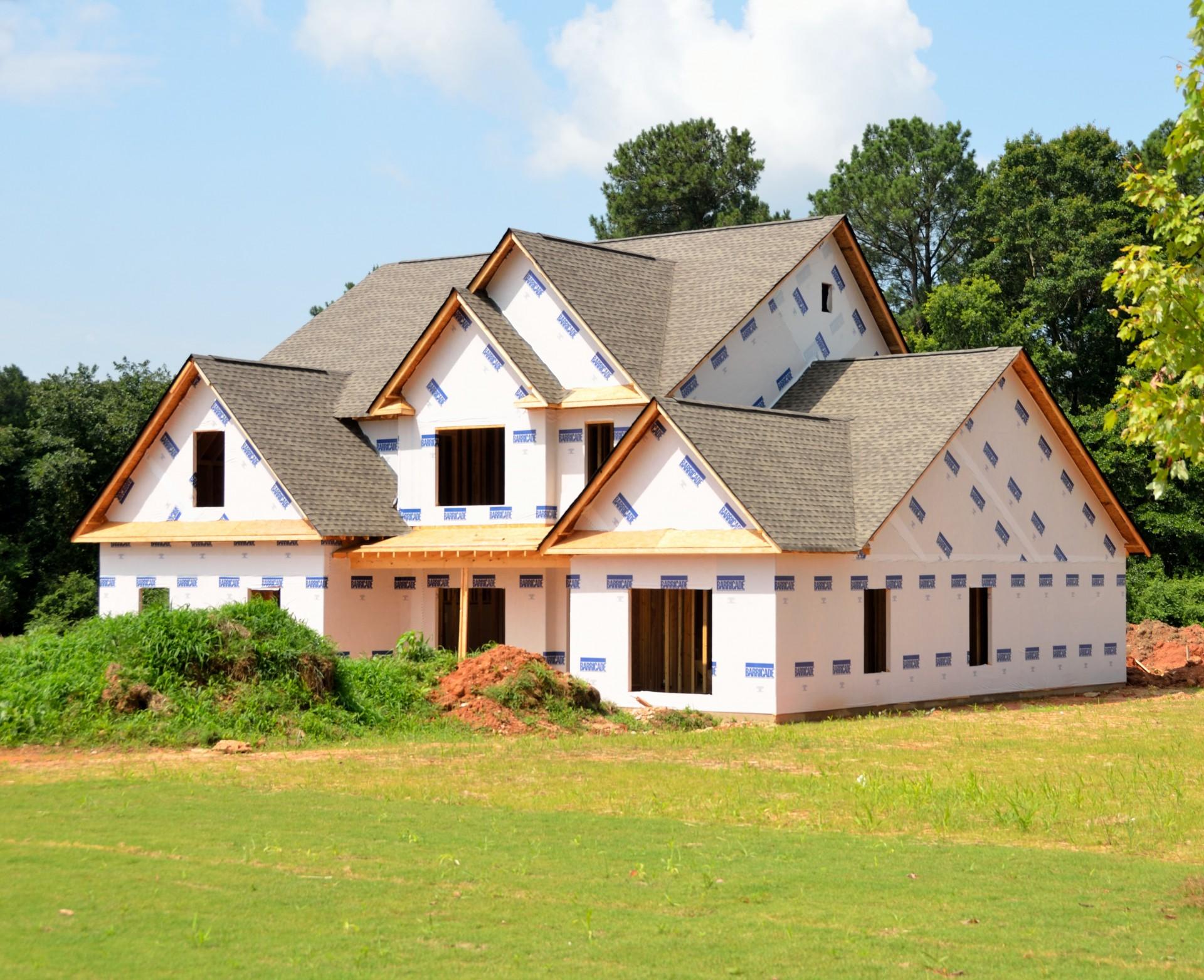 Dom w budowie do wykończenia tynkiem maszynowym